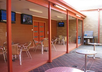 darlington point club outdoor area